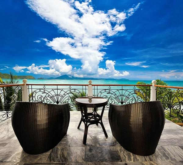 Фотообои/B коллекцияКресла на балконе 300х270 см
